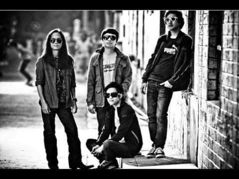 Lyrics and Translation Huwag Mo Nang Itanong - Musixmatch